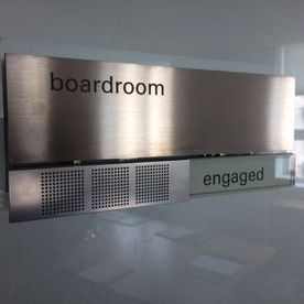 Meeting room engaged free sign